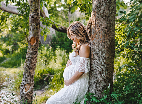 Buffalo Baby Bump session in an outdoor park setting