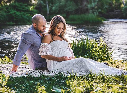 Buffalo Maternity Photographer | Beautiful Baby Bump Session